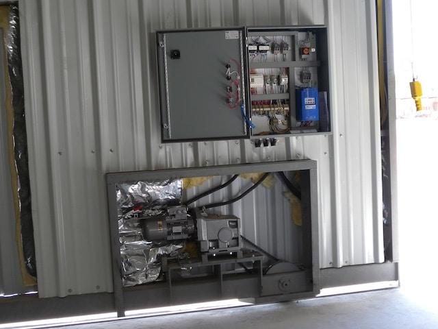 OMAN-THUMRAIT - AIRCRAFT HANGAR DOORS - A Spec-Dor company